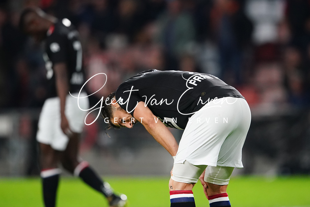 Fran Sol of Willem II dejected after the match