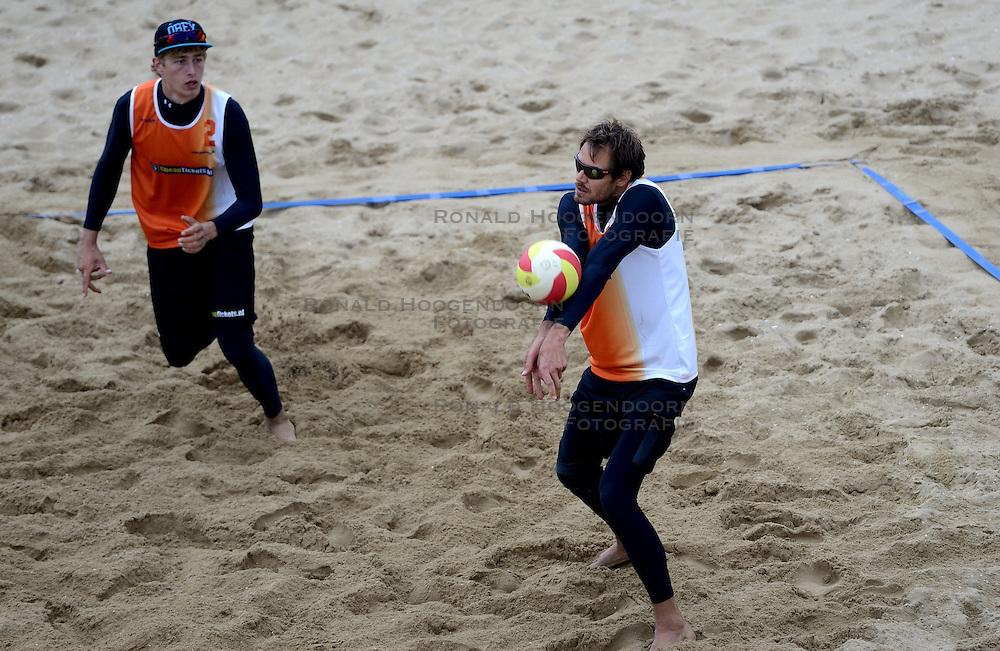 16-08-2014 NED: NK Beachvolleybal 2014, Scheveningen<br /> (L-R) Steven van de Velde, Reinder Nummerdor