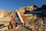 Die Sidelenh&uuml;tte und der SE-Grat des Galenstocks, Furka, Uri, Schweiz<br /> <br /> The mountain shelter Sidelenh&uuml;tte and the SE-ridge of the Galenstock , Furka, Uri, Switzerland