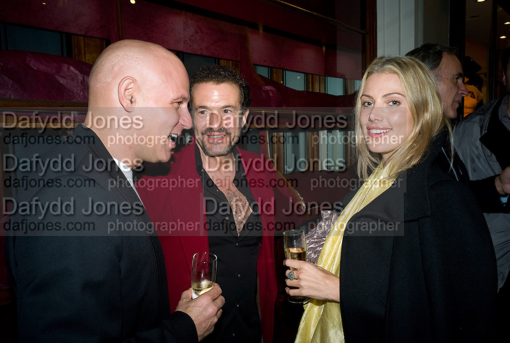 CRAIG ROBBINS;  CLEYENNE LAZZAROTTO; JOSE MARIA CANO, Henry Moore Exhibition. Hauser and Wirth. 15 Old Bond St. and afterwards dinner at the Burlington arcade. 14 October 2008 *** Local Caption *** -DO NOT ARCHIVE -Copyright Photograph by Dafydd Jones. 248 Clapham Rd. London SW9 0PZ. Tel 0207 820 0771. www.dafjones.com