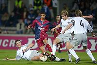 Fotball<br /> UEFA Cup 2003/2004<br /> 06.11.2003<br /> Bordeaux v Hearts<br /> Foto: Digitalsport<br /> Norway Only<br /> <br /> MAROUANE CHAMAKH (BOR) / ANDY WEBSTER / ROBBIE NEILSON / STEPHEN PRESSLEY (HEA)<br /> PHOTO LAURENT BAHEUX