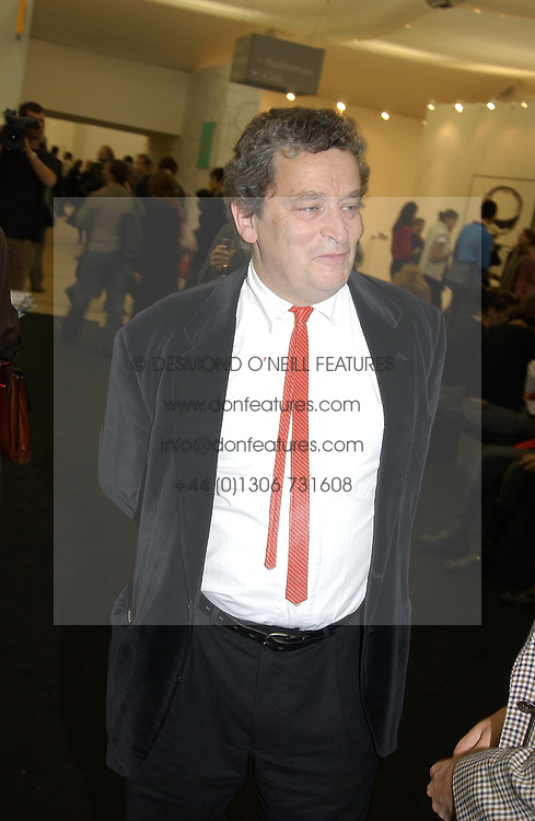 NORMAN ROSENTHAL at a private view of the 2004 Frieze Art Fair - a major exhibition attended by most of the leading contempoary art dealers held in Regents Park, London on 14th October 2004.NON EXCLUSIVE - WORLD RIGHTS