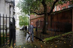 © Licensed to London News Pictures. 19/10/2017. London, UK. Former president of the United States of America, BILL CLINTON arrives at 10 Downing Street in London for a meeting with British prime minister THERESA MAY. The pair are due to discuss the current political deadlock in Northern Ireland in an attempt to restore the power-sharing executive. Photo credit: Ben Cawthra/LNP