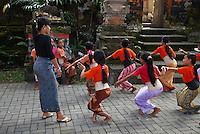 Indonesie. Bali. Ubud. Ecole de danse traditionnelle (Legong). // Indonesia. Bali. Ubud. School of traditional dance (Legong).
