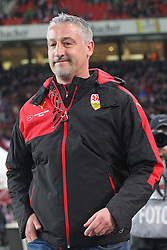 30.12.2015, Mercedes Benz Arena, Stuttgart, GER, 1. FBL, VfB Stuttgart vs Hamburger SV, 19. Runde, im Bild Trainer Juergen Kramny (VfB Stuttgart) // during the German Bundesliga 19th round match between VfB Stuttgart and Hamburger SV at the Mercedes Benz Arena in Stuttgart, Germany on 2015/12/30. EXPA Pictures © 2016, PhotoCredit: EXPA/ Eibner-Pressefoto/ Langer<br /> <br /> *****ATTENTION - OUT of GER*****
