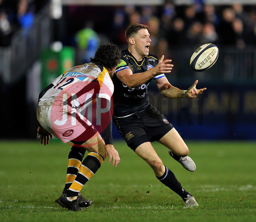 Rhys Priestland of Bath Rugby passes the ball - Mandatory byline: Patrick Khachfe/JMP - 07966 386802 - 19/12/2015 - RUGBY UNION - The Recreation Ground - Bath, England - Bath Rugby v Wasps - European Rugby Champions Cup.