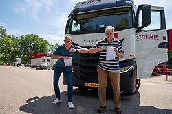 Even in this difficult time, van Heezik Logistiek vv Maarssen remains loyal as a sponsor.  The contract was signed with the usual new greeting on 18 May 2020 in Maarssen.
