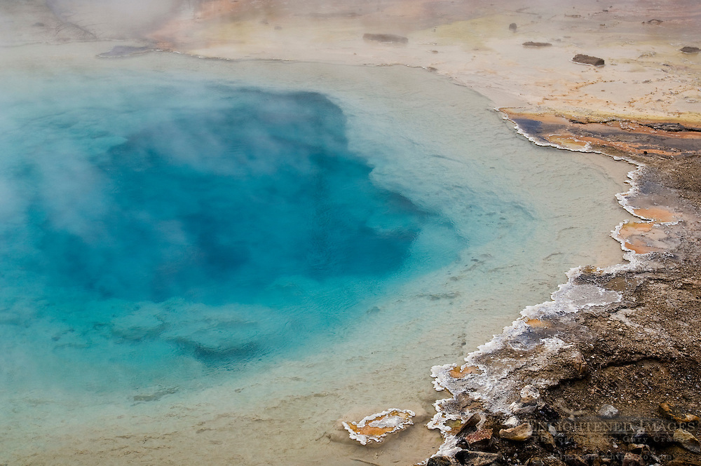 Silex Spring, geothermal pool near Fountain Paint Pot, Lower Geyser Basin, Yellowstone National Park, Wyoming