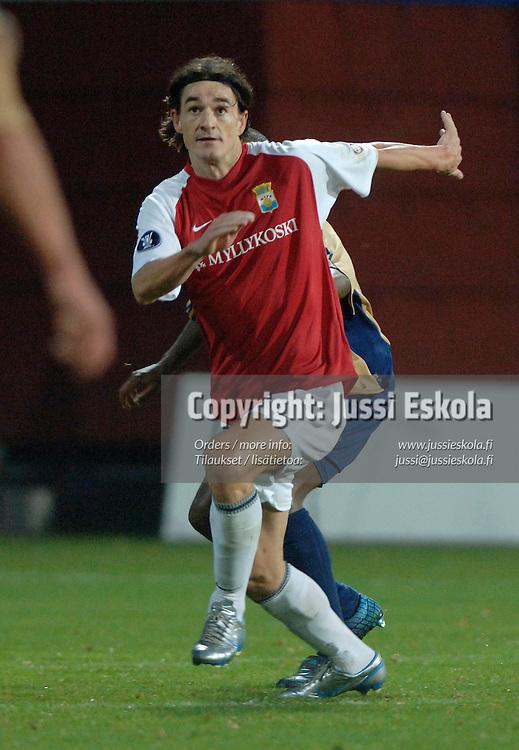 Adriano, MyPa-Grasshoppers, Uefa-cup, 29.9.2005.&amp;#xA;Photo: Jussi Eskola<br />