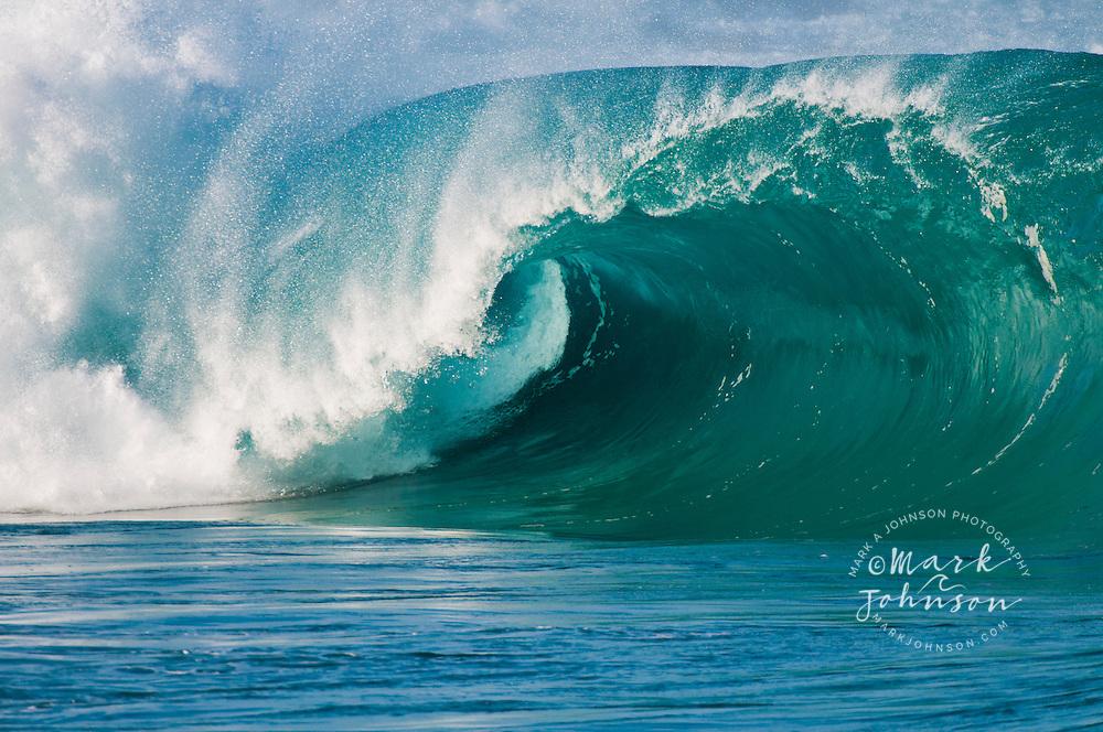 Waimea Bay Shorebreak, North Shore, Oahu, Hawaii, USA