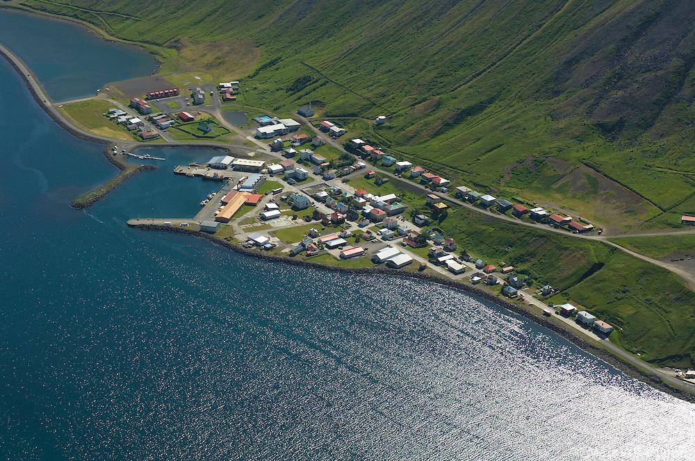 Suðureyri til suðurs, Ísafjarðarbær áður Suðureyrarhreppur / Sudureyri viewing south, Isafjardarbaer former Sudureyrarhreppur.