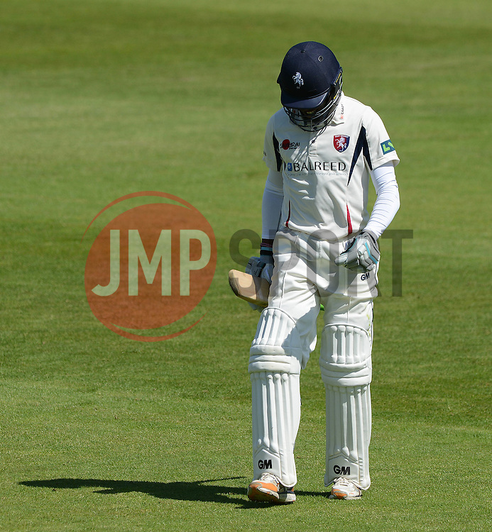 Daniel Bell-Drummond cuts a dejected figure as he is caught out by Chris Dent - Photo mandatory by-line: Dougie Allward/JMP - Mobile: 07966 386802 - 21/05/2015 - SPORT - Cricket - Bristol - County Ground - Gloucestershire v Kent - LV=County Cricket