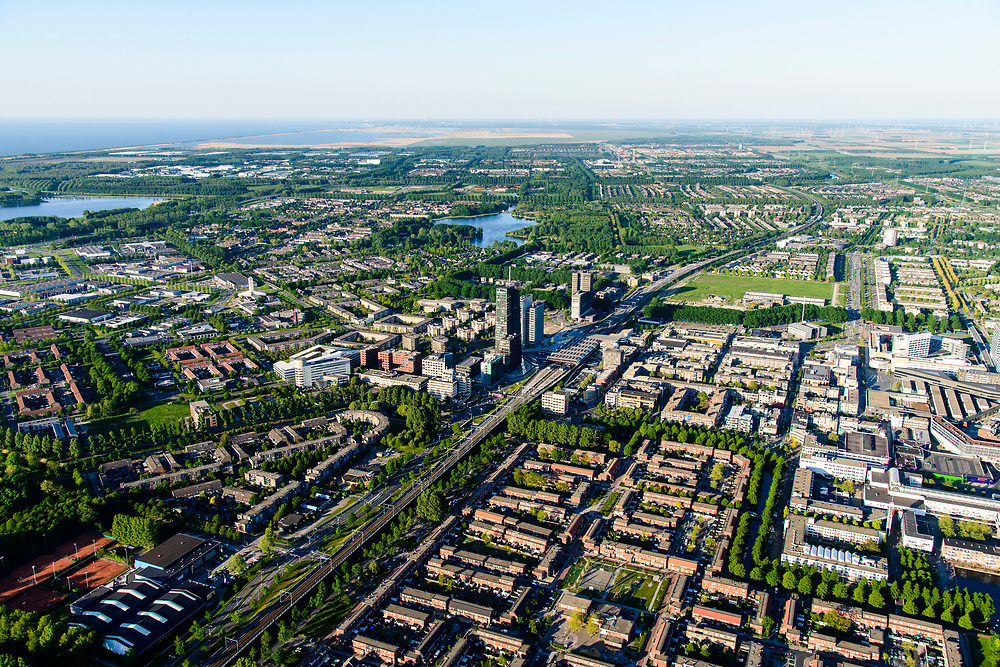 Nederland, Flevoland, Almere, 07-05-2018; Almere Stad met Almere Centrum gezien naar Oostvaarderplassen. City centre Almere.<br /> luchtfoto (toeslag op standard tarieven);<br /> aerial photo (additional fee required);<br /> copyright foto/photo Siebe Swart