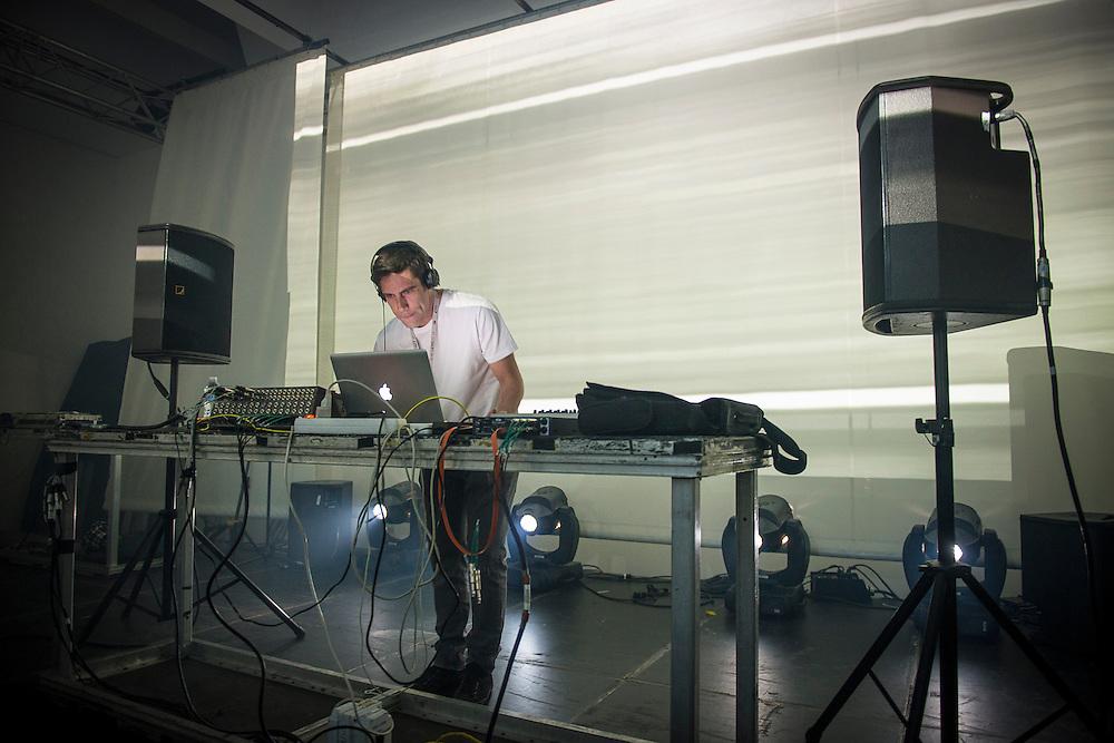 FLUXION (GR) <br /> BROADBAND / NOCTURNE 4: CRUISING THE SUB-DUB SPECTRUM / MUTEK 2014