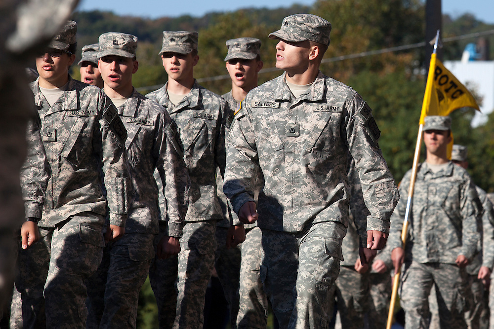 Ohio University ROTC marches in the 2015 Homecoming parade down on Union Street. Photo by Kaitlin Owens