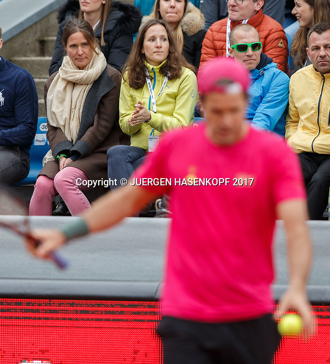 unscharf im Vordergrund TOMMY HAAS (GER), im Hintergrund auf der Zuschauer Tribuene die Schwestern Sabine und Karin,<br /> <br /> Tennis - BMW Open2017 -  ATP  -  MTTC Iphitos - Munich -  - Germany  - 1 May 2017.