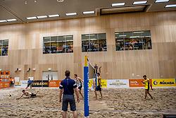 06-01-2018 NED: DELA Beach Open day 4, Den Haag<br /> Support publiek kijken massaal naar de wedstrijd van Christiaan Varenhorst NED #1 en Jasper Bouter NED #2