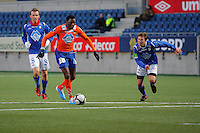 ÅLESUND 20110212. Aalesunds Solomon Okoronkwo (tv) under treningskampen i fotball mellom Aalesund og Hødd på Color Line Stadion i Ålesund lørdag ettermiddag.<br /> Foto: Svein Ove Ekornesvåg