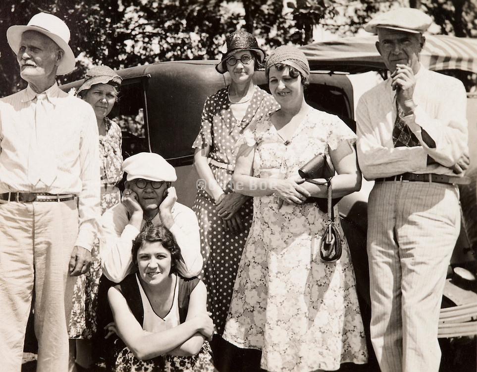 1930s group posing for a family photo USA
