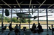 Nederland, Soesterberg, 7-9-2016Op het terrein van de voormalige amerikaanse vliegbasis staat het nationaal militair museum .Het bevat een collectie historische vliegtuigen en voertuigen van de landmacht en koninklijke luchtmacht . Ook enkele straaljagers uit de Amerikaanse periode zoals een F15 en F86 Super Sabre . Vrijwilligers en veteranen geven desgevraagd uitleg bij verschillende items .Foto: Flip Franssen