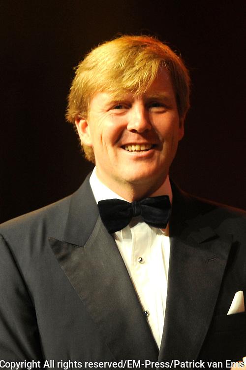 Uitreiking Koning Willem 1 Prijs in theater Diligentia in den Haag.<br /> <br /> <br /> <br /> Presentation of the King Willem 1 award for best inovating company in the Hague.<br /> <br /> <br /> <br /> Op de foto/ On the photo <br /> <br />  Prince Willem Alexander