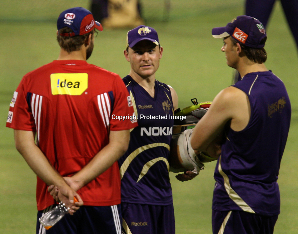 Kolkata Knight Riders player B McCullum and Shen Bond With Delhi Daredevils Player D Vettori  Duirng The Net Session on 04-06-2010 at-kolkata