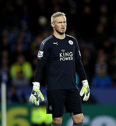 Kasper Schmeichel of Leicester City - Mandatory byline: Robbie Stephenson/JMP - 28/11/2015 - Football - King Power Stadium - Leicester, England - Leicester City v Manchester United - Barclays Premier League