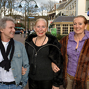 "NLD/Laren/20060412 - Opening restaurant ""Afslag Laren"" , gezusters Boltini"