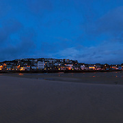 200118 x 3821 pixel, 289 MB file....A very large file which will print very big, 4 meters plus long.<br />
