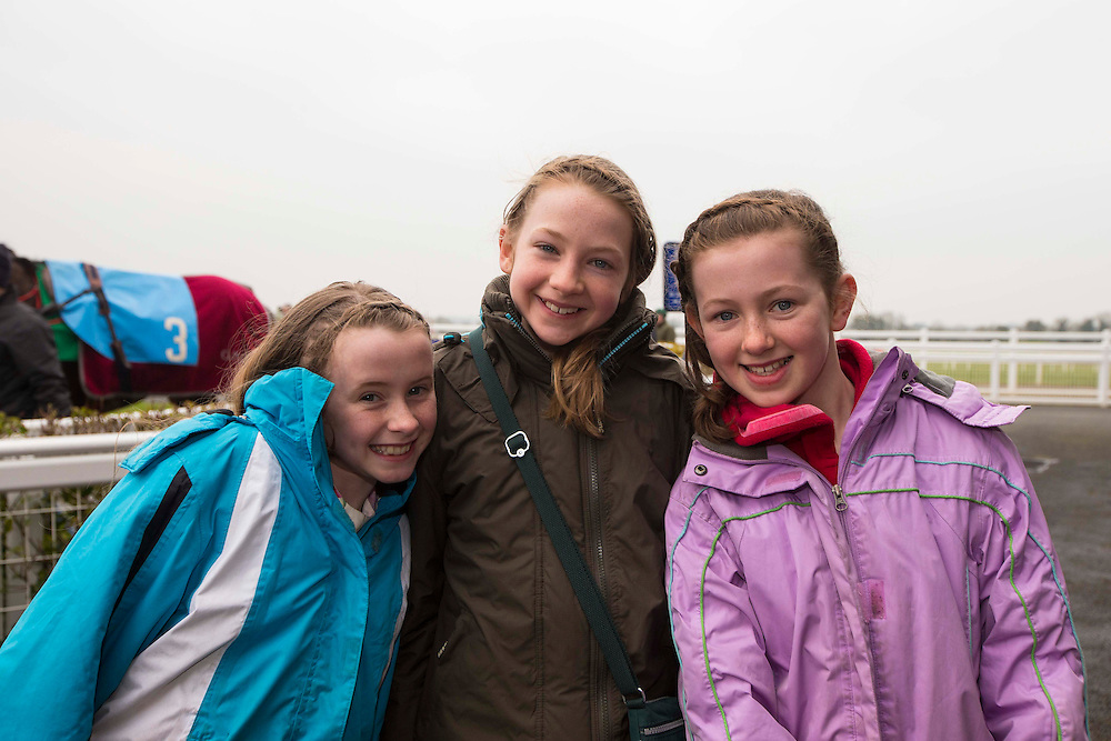 Navan Races, Saturday 27th February 2016.<br /> Pictured at Navan Races, Laura Kenny (Kilmessan) with her friends from Cork - Lucy Griffin & Jane Rigers<br /> Photo: David Mullen /www.cyberimages.net / 2016
