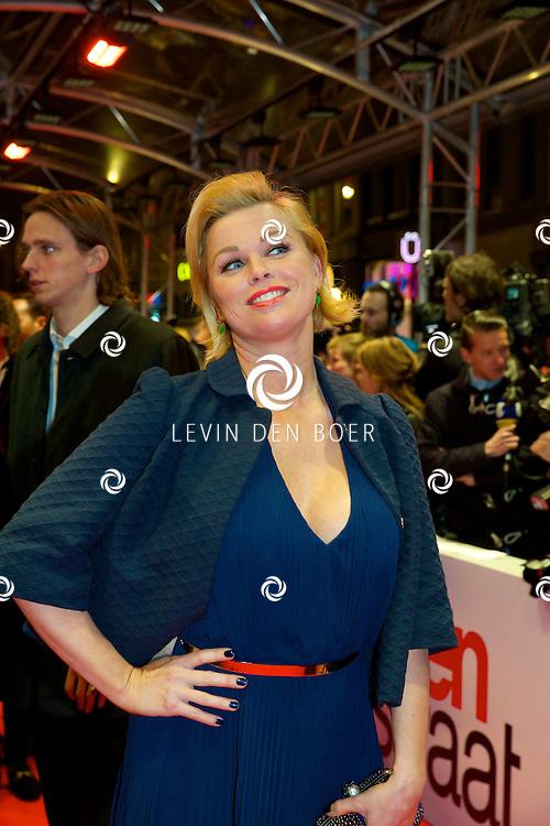 AMSTERDAM - In het Tuschinski theater is de nieuwe Nederlandse film 'Harten Straat' in premiere gegaan. Met op de rode loper   Bridget Maasland. FOTO LEVIN DEN BOER - PERSFOTO.NU