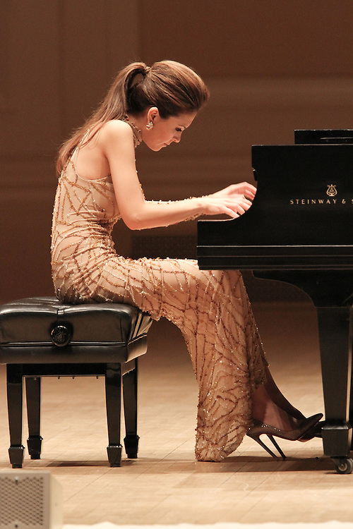 "NEW YORK - JANUARY 19:  ""A Tribute to Horowitz"" presented by the American Cancer Society at Carnegie Hall on January 19, 2012 in New York City.  (Photo by Matthew Peyton) *** Local Caption *** Lola Astanova"