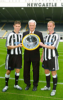Photo. Jed Wee, Digitalsport<br /> Newcastle United Press Conference, 30/07/2004.<br /> A proud Newcastle manager Sir Bobby Robson (C) with new signings Nicky Butt (L) and James Milner.