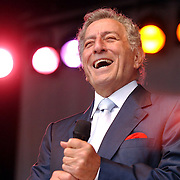 Tony Bennett at George Square, Glasgow.  The Royal Bank of Scotland Jazz Festival 2003.<br /> Photo Robert Perry The Scotsman
