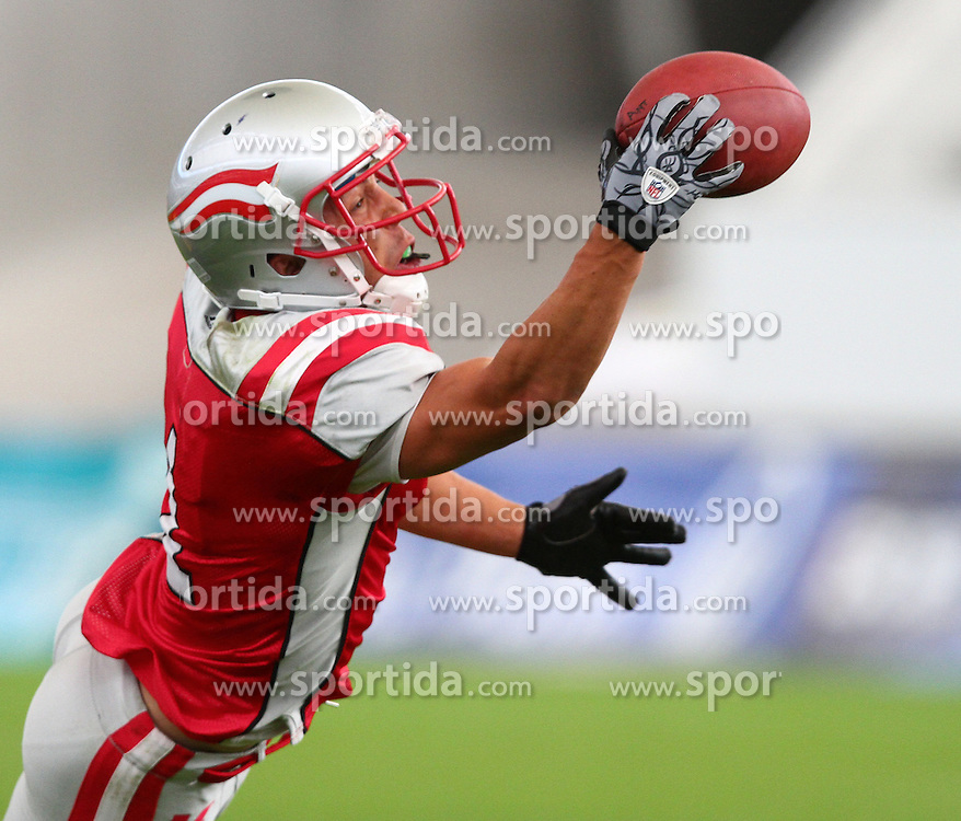 31.07.2010, Commerzbank Arena, Frankfurt, GER, Football EM 2010, Game for Place 3, Team Sweden vs Team Austria, im Bild One Hand Catch durch Jakob Dieplinger, (Team Austria, WR, #1) ,  EXPA Pictures © 2010, PhotoCredit: EXPA/ T. Haumer / SPORTIDA PHOTO AGENCY
