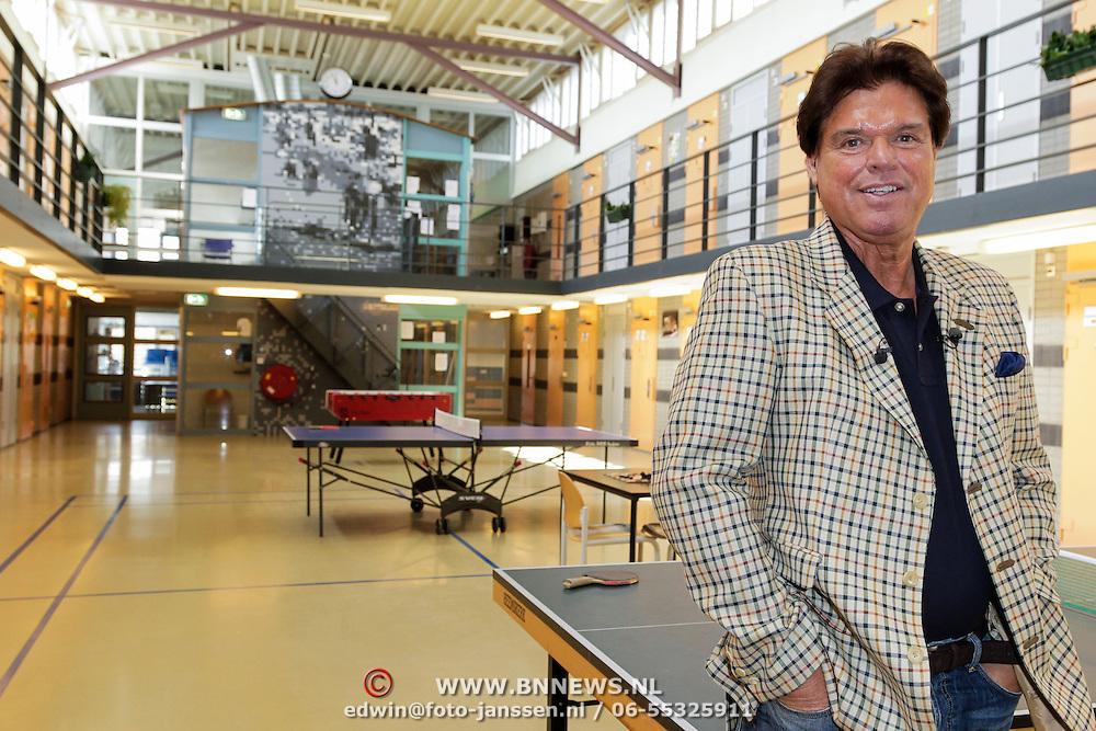 NLD/Almere/20120411 - Persviewing Buch in de Bajes, Menno Buch
