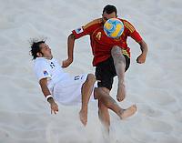 FIFA BEACH SOCCER WORLD CUP 2008 ITALY - SPAIN  26.07.2008 Paolo PALMACCI (ITA, l) against Cristian TORRES (ESP).