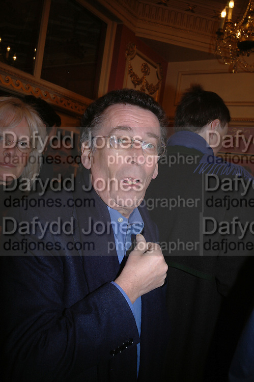Robert Powell, Opening night of Embers, Duke of York's theatre. St. Martin's Lane. London. 1 March 2006. ONE TIME USE ONLY - DO NOT ARCHIVE  © Copyright Photograph by Dafydd Jones 66 Stockwell Park Rd. London SW9 0DA Tel 020 7733 0108 www.dafjones.com