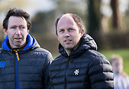 BLOEMENDAAL -  coach Teun de Nooijer (Bl'daal) met coach Raoul Ehren (Den Bosch)   hockey hoofdklasse dames Bloemendaal-Den Bosch (0-6) . COPYRIGHT KOEN SUYK
