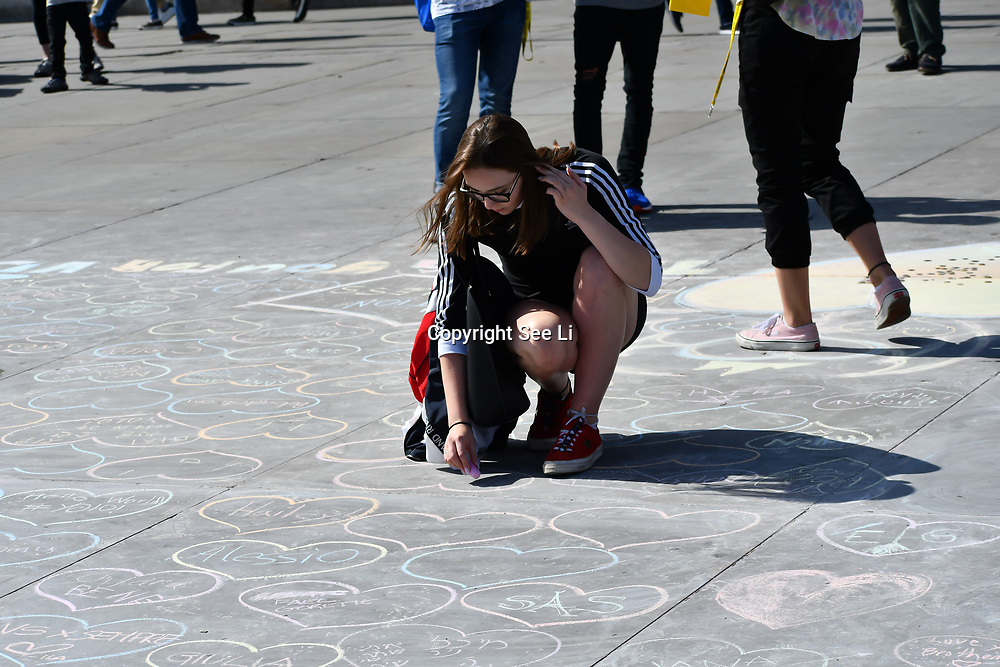 UK Weather - The Hottest week in June 2019, street artist at Trafalgar Square, on 27 June 2019, London, UK