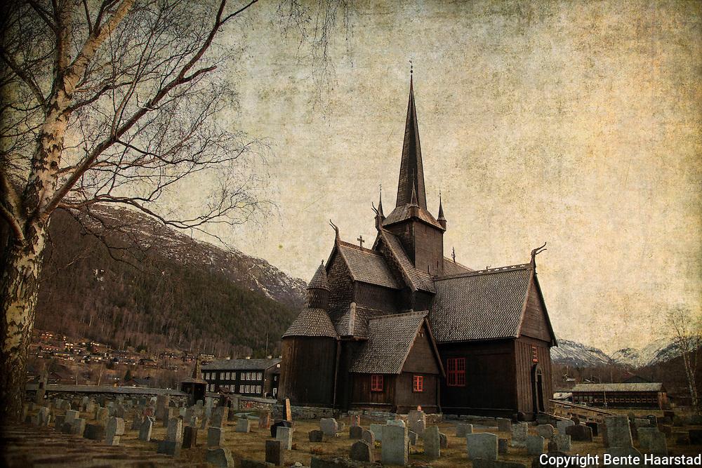 Lom stavkirke er en stavkirke i Oppland. Kirken. En av de største stavkirkene i Norge, og trolig bygget i slutten av 1100-tallet. Fortsatt i bruk som menighetskirke. Viet til Jomfru Maria, Døperen Johannes og Olav den hellige.