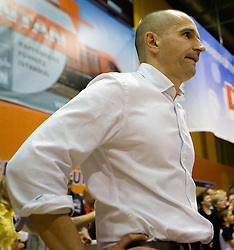 17.05.2015, Walfersamhalle, Kapfenberg, AUT, ABL, ece Bulls Kapfenberg vs magnofit Guessing Knights, 3. Semifinale, im Bild Head Coach Michael Schrittwieser (Kapfenberg) // during the Austrian Basketball League, 3th semifinal, between ece Bulls Kapfenberg and magnofit Guessing Knights at the Sportscenter Walfersam, Kapfenberg, Austria o00000n 2015/05/17, EXPA Pictures © 2015, PhotoCredit: EXPA/ Dominik Angerer