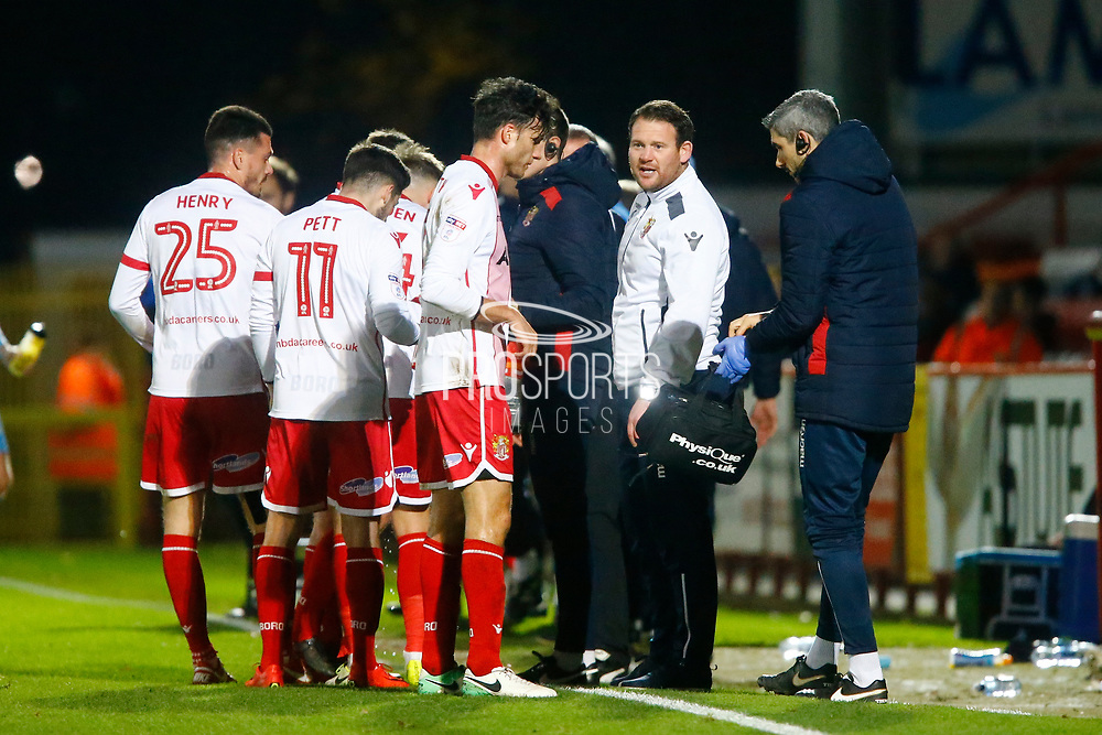 Stevenage's manager Darren Sarll chats to his players during the EFL Sky Bet League 2 match between Stevenage and Coventry City at the Lamex Stadium, Stevenage, England on 21 November 2017. Photo by Matt Bristow.