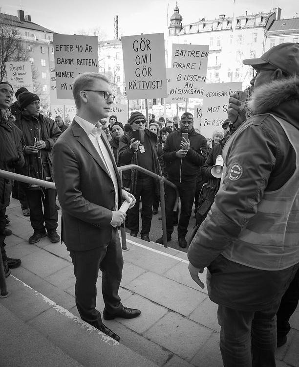 Bussförare demonstrerar mot sämre arbetsvillkor