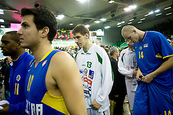 Alan Anderson of Maccabi, Guy Pnini of Maccabi, Gasper Vidmar (13) of Olimpija and Maciej Lampe of Maccabi after the Euroleague basketball match in 6th Round of Group C between KK Union Olimpija and Maccabi Tel Aviv, on December 3, 2009, in Arena Tivoli, Ljubljana, Slovenia. (Photo by Vid Ponikvar / Sportida)