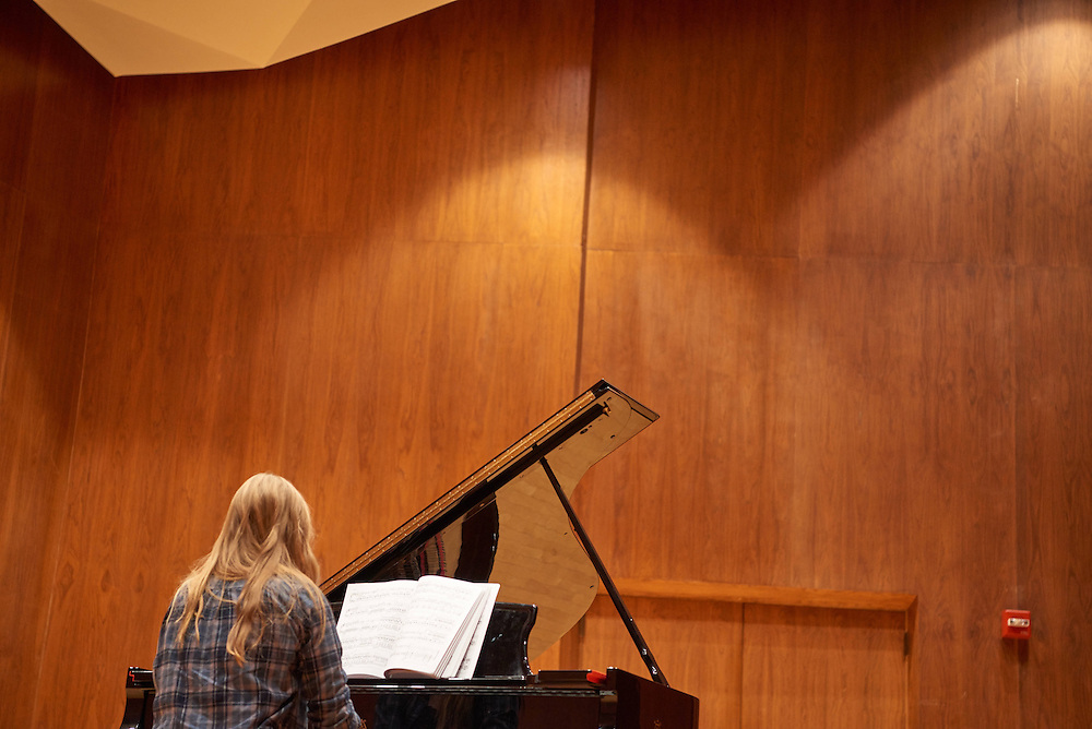 -UWL UW-L UW-La Crosse University of Wisconsin-La Crosse; Candid; Center for the ArtsCFA; Classroom; day; December; Inside; Music; Piano; Student students; Woman women