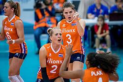 01-10-2017 AZE: Final CEV European Volleyball Nederland - Servie, Baku<br /> Nederland verliest opnieuw de finale op een EK. Servi&euml; was met 3-1 te sterk / Yvon Belien #3 of Netherlands