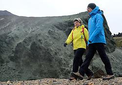 05-07-2014 NED: Iceland Diabetes Challenge dag 1, Landmannalaugar <br /> Vandaag ging de challenge van start. Met een bus gingen we van Vogar naar Landmannalaugar en zagen we de eerste tekenen van het prachtige landschap van IJsland / Petra, Eelco
