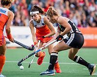 AMSTELVEEN - Eva de Goede (Ned) met Lena Micheel (Ger)   tijdens de halve finale  Nederland-Duitsland (2-1) van de Pro League hockeywedstrijd dames. COPYRIGHT KOEN SUYK