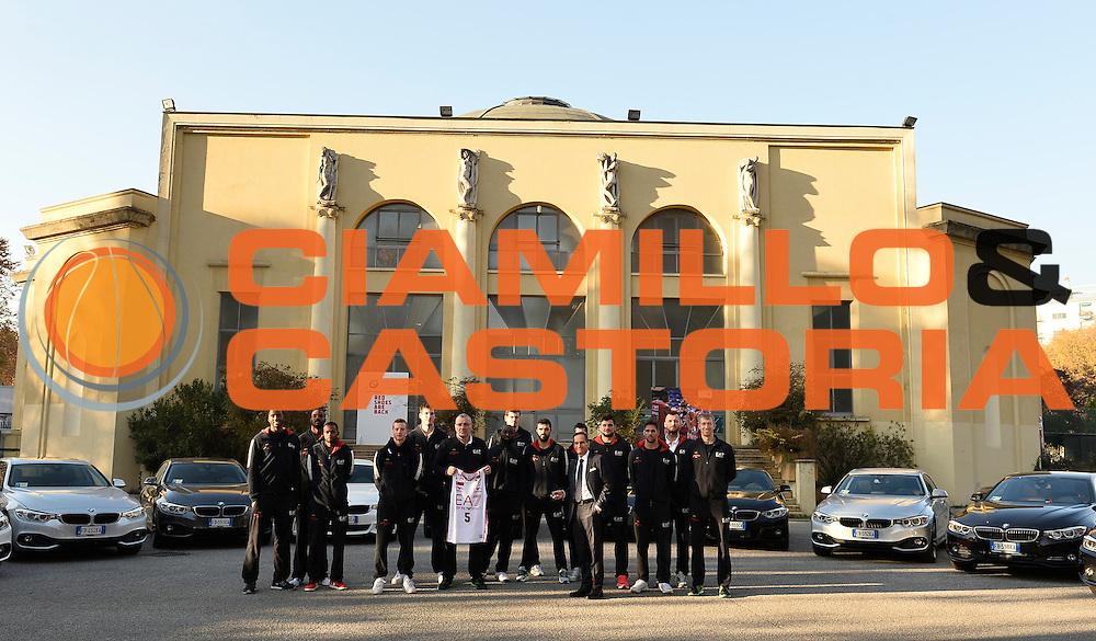 DESCRIZIONE : Milano EA7 Emporio Armani Olimpia Milano evento BMW<br /> GIOCATORE : team<br /> CATEGORIA :<br /> SQUADRA : EA7 Emporio Armani Olimpia Milano <br /> EVENTO : EA7 Emporio Armani Olimpia Milano evento BMW<br /> GARA : EA7 Emporio Armani Olimpia Milano evento BMW<br /> DATA : 10/11/2015 <br /> SPORT : Pallacanestro <br /> AUTORE : Agenzia Ciamillo-Castoria/R.Morgano<br /> Galleria : EA7 Emporio Armani Olimpia Milano<br /> Fotonotizia : EA7 Emporio Armani Olimpia Milano evento BMW<br /> Predefinita :